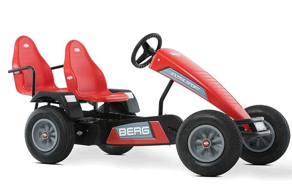 מכונית פדלים חשמלית עם שני כיסאות בצבע אדום