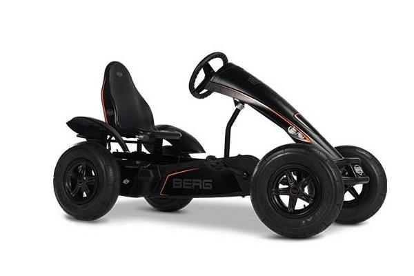 מכונית פדלים חשמלית שחורה