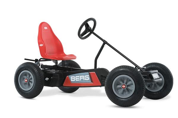 מכונית פדלים אדומה של ברג