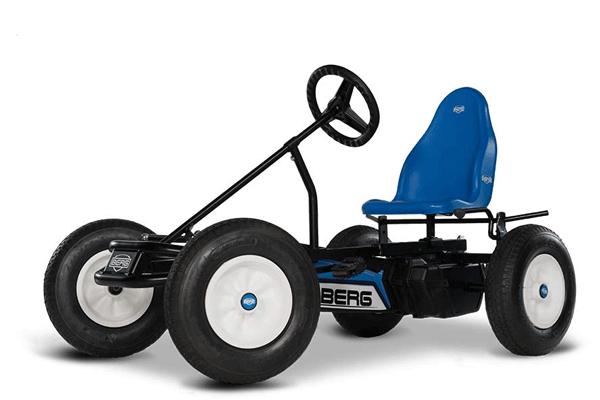 מכונית פדלים כחולה של חברת ברג