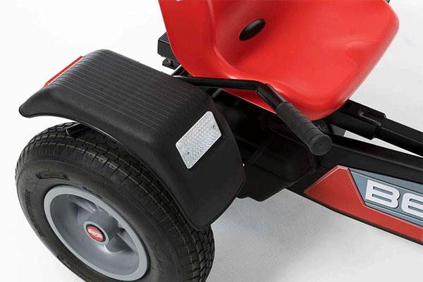 מגן לגלגל אחרורי של מכונית פדלים מדגם ברג אקסטרה ספורט