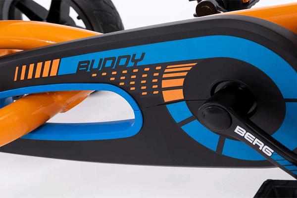 גוף של מכונית פדלים מדגם ברג באדי בצבע כתום