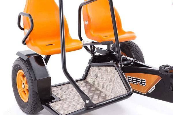 מושבים של תלת אופן זוגי דגם ברג דו צ'ופר