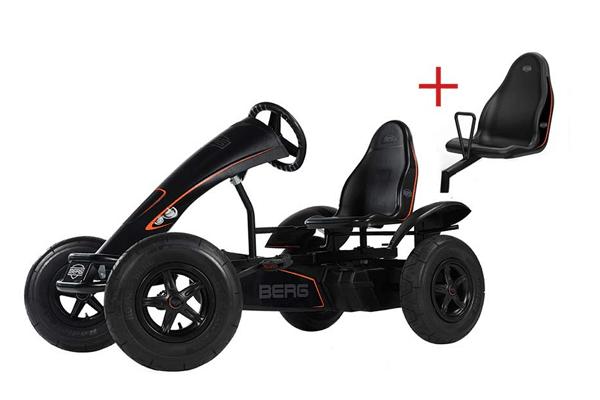 מושב להרכבה על מכונית פדלים חשמלית שחורה